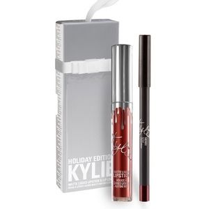 Kylie lip kit in MERRY